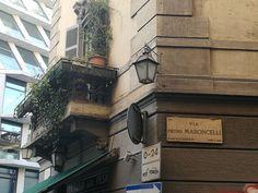 Ieri e sullo sfondo oggi #milanodavedere Milano da Vedere
