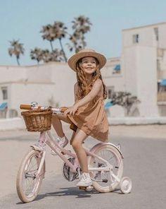 Fashion Kids, Baby Girl Fashion, Cute Kids, Cute Babies, Bike Photoshoot, Agatha, Career Inspiration, Kids Bike, Classic Bikes