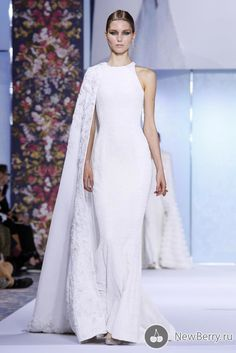 Ralph And Russo Couture Collection Fall Winter 2016 Fashion Show in Paris Short Wedding Gowns, Wedding Dresses, Fashion News, Fashion Show, Meghan Markle Wedding Dress, Ralph & Russo, Gowns Of Elegance, Lovely Dresses, Couture Collection