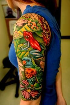 Tropical Rainforest with Flowers Frogs and Birds Arm Tattoo Half Sleeve Tattoos Drawings, Sleeve Tattoos For Women, Tattoo Sleeves, Tropical Tattoo, Hawaiian Tattoo, Frog Tattoos, Life Tattoos, Tattoo Henna, Tattoo Bird