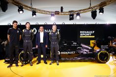 RENAULT F1 PRESENTAZIONE 2016, (L to R): Esteban Ocon (FRA) Renault Sport Formula One Team Test Driver with Jolyon Palmer (GBR) Renault Sport Formula One Team; Carlos Ghosn (FRA) Chairman of Renault e Kevin Magnussen (DEN) Renault Sport Formula One Team. 03.02.2016.