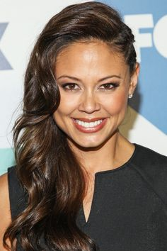 Vanessa Lachey opted for a faux-undercut style at the Fox TCA party.   To the Left: 25 Sideswept Styles to Try This Season   POPSUGAR Beauty Photo 5