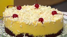 O Bolo Leve de Maracujá é muito leve, saboroso e fácil de fazer. Experimente! Veja Também: Torta Mousse de Maracujá Veja Também: Bolo Mousse de Maracujá co