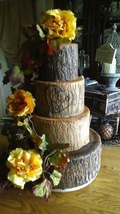SUPER CUTE!!!!!  LOVE!!!!!!!  Tree wedding cake