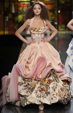 Obviously this would be like wearing a cupcake... but it's so cool! - John Galliano (Paris Week) Haute Couture Fashion