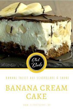 Saftige Banane in einem Traum aus süßer Sahnecreme und knackiger Schokolade, den Kuchen muss man einfach nachbacken!