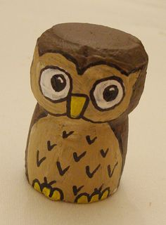 How cute is this? Owl made from a wine bottle cork...clevah.