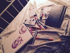 Not really art, but here's my drawing space @actualarttrash