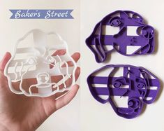 #etsy #customcookiecutter #personalizedcutter #petcookies #catcookies #dogcookies #petportrait #custompet Dog Cookie Cutters, Custom Cookie Cutters, Dog Cookies, Cookies Et Biscuits, Face L, Street Dogs, Cat Dog, Baker Street, Last Minute Gifts