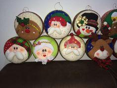 YOYOS NAVIDEÑOS Christmas Decorations, Christmas Ornaments, Holiday Decor, Christmas Fabric, Fabric Decor, Nativity, Decorative Plates, Xmas, Merry