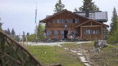 Berge und Wandern: Tutzinger Hütte am Fuß der Benediktenwand Wo geht's lang? Der Rundweg startet ganz entspannt auf einem breiten Forstweg ( DAV-Route ...