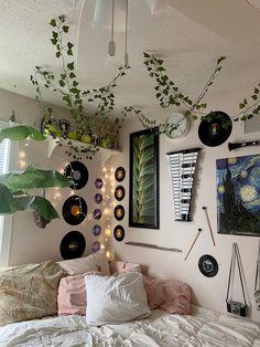 Cute Room Ideas, Cute Room Decor, Hipster Room Decor, Indie Bedroom Decor, Cheap Room Decor, Retro Room, Vintage Room, Bedroom Vintage, Room Ideias
