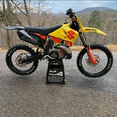 Motorcross Bike, Bmx, Mx Bikes, Futuristic Motorcycle, Dirtbikes, Cars And Motorcycles, Motorbikes, Yamaha, Iron Man