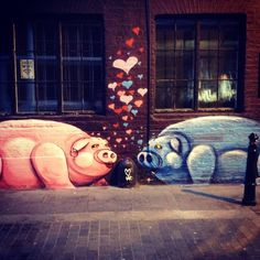 There's more than pigs kissing in Shoreditch Boxpark this month. Check it out here:  http://www.stpaulslifestyle.com/articles/2013/10/14/shoreditchs-boxpark/. #grafitti #graffitti #streetart #spraypaint #pigs