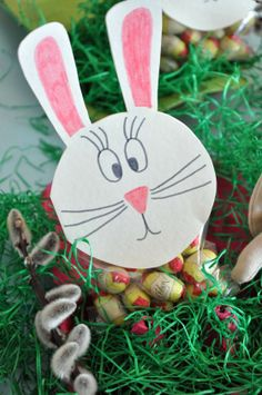 Last Minute, Diy Food, Christmas Ornaments, Holiday Decor, White Paper, Tape, Easter Bunny, Simple Diy, Easter Activities