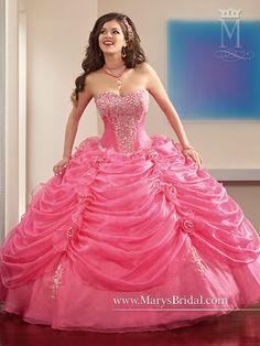 Magnificos modelos de vestidos de 15 años 2015