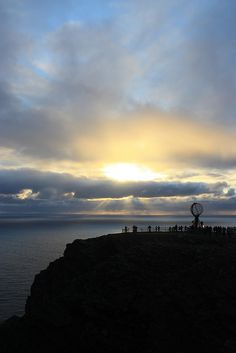 The North Cape (Nordkapp in Norwegian) is a picturesque spot to be at. Specially when the midnight sun is out.