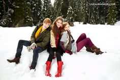 Sit on a pile of snow with your best friends for a fantastic #winter photo.