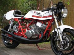 Bimota Kawasaki Triple - bonkers engine in a frame that actually handles!
