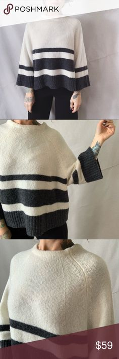 Two By Vince Camuto Purple Combo Womens Sz S M Knit Poncho Ivory Metallic Stripe