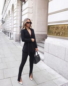 Life Advice From Successful Women – Men Styles Fashion Blogger Style, Work Fashion, Star Fashion, Womens Fashion, Classy Fashion, Classy Outfits, Chic Outfits, Fashion Outfits, Fashion Trends