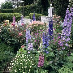 Cotswold Cottage gardens.  This is on the list of places to visit when mom & dad come!!