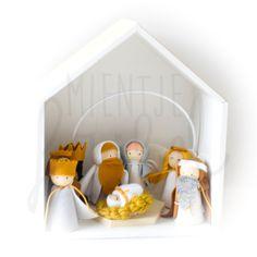 Handmade Christmas, Christmas Diy, Christmas Decorations, Xmas, Holiday, Advent, Festival Decorations, Christmas Inspiration, Wooden Beads