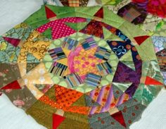 Hilde Klatt shares a tutorial for this lovely paper piecing.