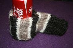 Beer mittens!!  Best gift idea ever.  Will have to get started on NEXT Christmas' list!  Free pattern on Ravelry.
