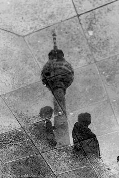 Reflection of the TV Tower in Berlin Photography Essentials, City Photography, People Photography, Black And White People, Black And White City, Light Texture, Portrait Photo, Black And White Photography, Monochrome