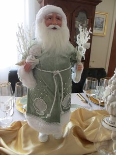 The Welcomed Guest: Noritake and Santa Christmas Table