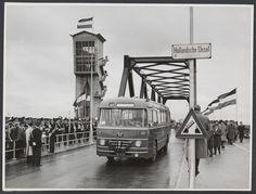 Foto's Indienststelling stormvloedkering 22-10-1958 - Serc