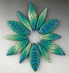 Petal Beads from Complex Skinner Blended Canes with Sarah Shriver #craftartedu