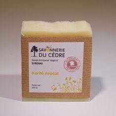 Savon Surgras spécial peaux sensibles au beurre de Karité biologique (35%) et à l'huile d'avocat bio.
