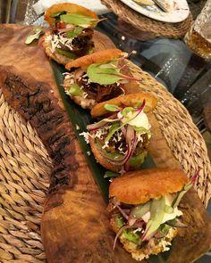 Arepas @ Caña de Azúcar, Barcelona Barcelona Restaurants, Pork Stew, Tapas Bar, Best Chef, Pulled Pork, Black Beans, Avocado, Dishes, Ethnic Recipes