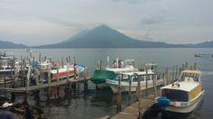 Vista al Lago Atitlan y  Volcan Toliman