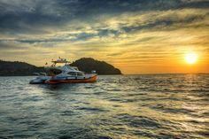 The sea always casts a spell of wonder! #vivantabytaj #vivanta #RebakIsland #cruise #sunset #sea #nature #rebak #island #ocean