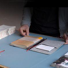 RoterFaden | Manufakturen | DIE ZEIT Shop - Besondere Ideen, erlesene Geschenke Roterfaden, Shops, Dory, Planners, Crafting, Bags, Gifts, Ideas, Tents