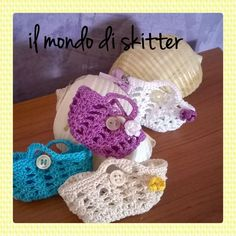 tutorial mini borsetta all'uncinetto Knitting Videos, Crochet Videos, Crochet Flower Patterns, Crochet Flowers, Crochet Yarn, Crochet Stitches, Crotchet Bags, Crochet Barbie Clothes, Doll Clothes Patterns