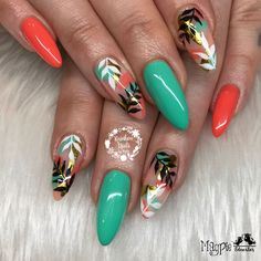 Coral pinkey and thumb- i LOVE this version!!! ❤️❤️Loved these from last week Natural nails with help from @magpie_beauty Give me Strength inspired by @ninanailedit & @hilarydawnherrera… #beautynails