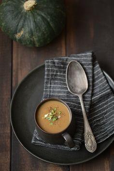 Soupe de courge aux châtaignes et aux champignons.
