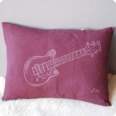 Coussin rectangulaire Guitare prune