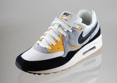 "Sneaker: Nike Air Max Light LE - ""University Gold\"""