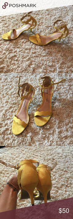 Chinese laundry yellow scalloped kitten heel 9.5 Chinese laundry yellow scalloped kitten heels. Size 9.5. Worn for 3hrs. Heel is 3.5' Chinese Laundry Shoes Heels