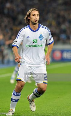 niko-kranjcar-of-fc-dynamo-kyiv-in-action-during-the-uefa-champions-picture-id153427910 (627×1024)