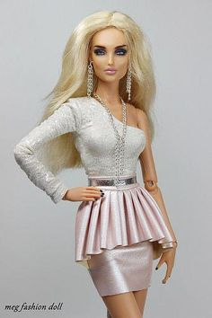 Barbie Dolls : Image : Description New outfit for Kingdom Doll / Deva Doll/ '' CHIC V '' Doll Clothes Barbie, Vintage Barbie Dolls, Barbie Dress, Barbies Dolls, Moda Barbie, Barbie Mode, Fashion Royalty Dolls, Fashion Dolls, Fashion Dresses
