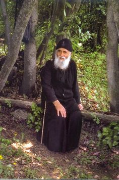 Elder Paisios (Eznepidis) of Mount Athos has been canonized today by the Ecumenical Patriarchate Old Man Pictures, Miséricorde Divine, Saint Barbara, Russian Orthodox, Byzantine Icons, Orthodox Christianity, Archangel Michael, Orthodox Icons, People Of The World