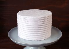 """Buttercream cake with """"combed"""" look"""