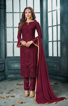 True magnificence comes out of your dressing design with this green faux georgette floor length Salwar suit. The embroidered work with Stone work looks chic and ideally suited for any get togeth. Salwar Kameez Online, Pakistani Salwar Kameez, Pakistani Suits, Pakistani Dresses, Kurti, Indian Dresses, Indian Outfits, Designer Salwar Suits, Desi Clothes