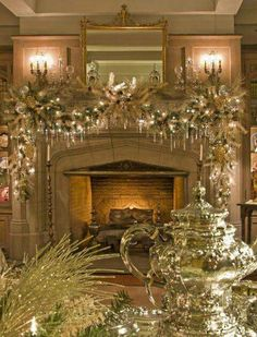 Wonderful Fireplace Mantel Christmas Decoration Ideas - Page 2 of 31 - Easy Hairstyles Fireplace Mantel Christmas Decorations, Christmas Mantels, Noel Christmas, Victorian Christmas, Xmas Decorations, Vintage Christmas, White Christmas, Christmas Ornaments, Mantel Ideas